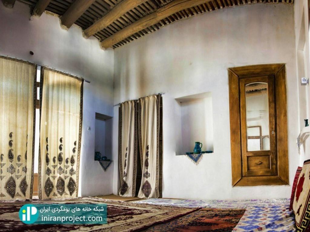 تصویری از نمای داخلی خانه بومگردی جواهری