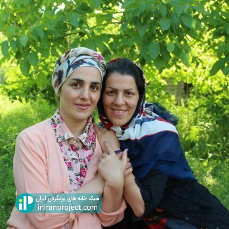 تصویر خواهران مرادی در خانه بومگردی گالش کولام