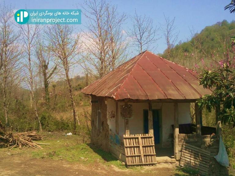 تصویری از خانه ای متروکه در گیلان
