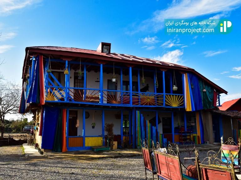 معماری سنتی گیلان در خانه بومگردی تکرم