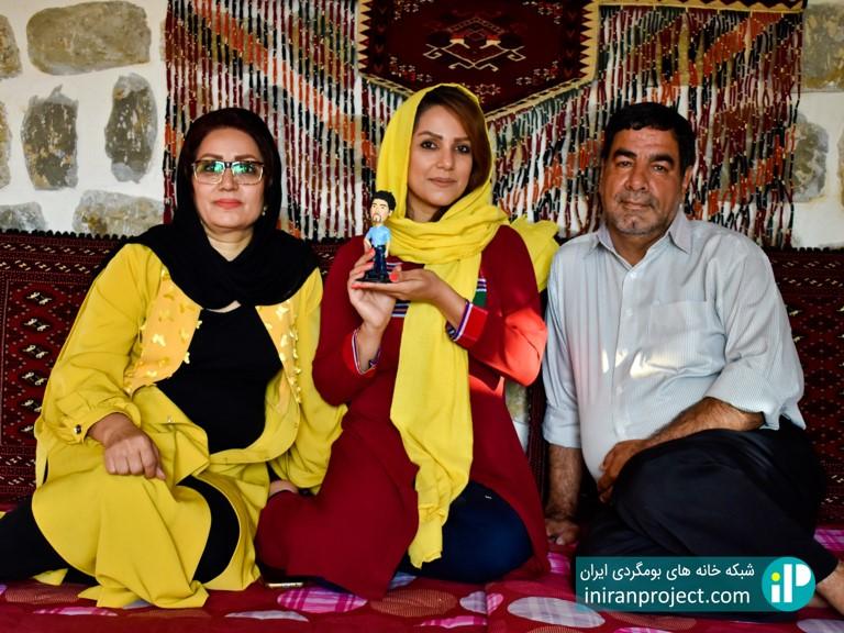 راحله احمدی مدیریت خانه بومگردی ساسنگ