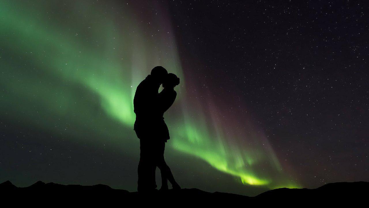 تصویری عاشقانه از شفق قطبی