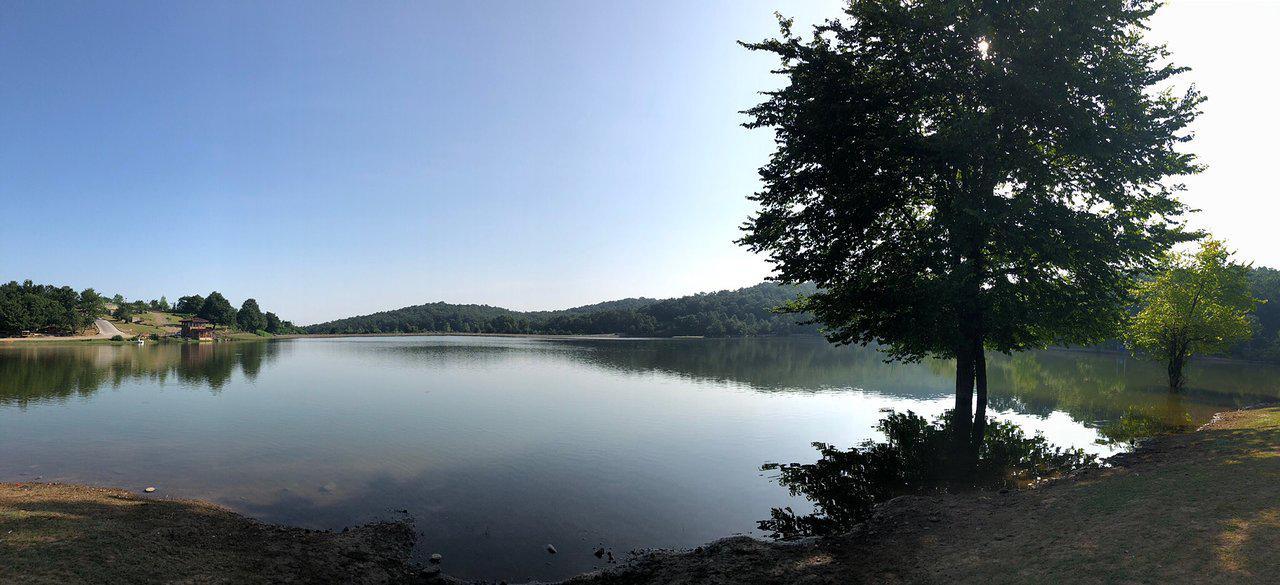 نمایی از دریاچه سقالکسار