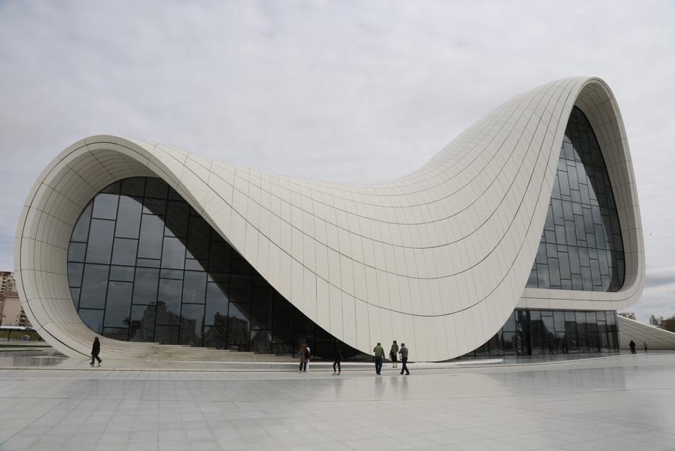 مرکز فرهنگی حیدر علی اف نماد باکو