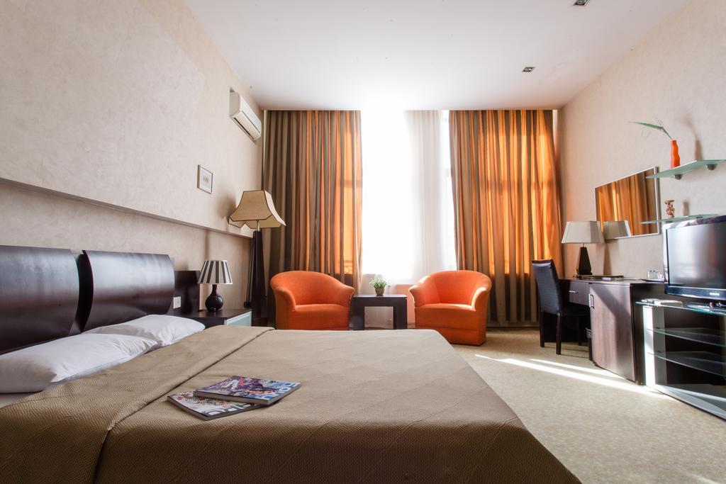 هتل 4 ستاره Austin Hotel یکی از هتل های تور باکو نوروز 99