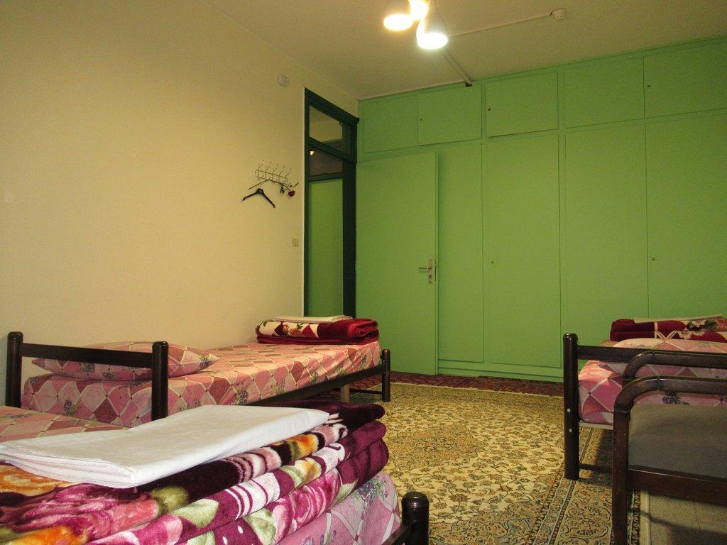 اتاق سه تخته در Iran Cozy Hostel